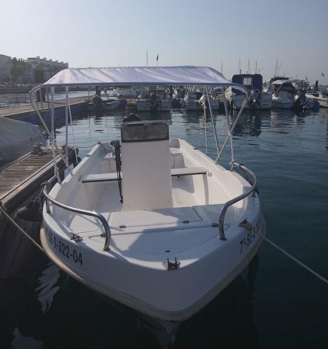 barco de alquiler con toldo