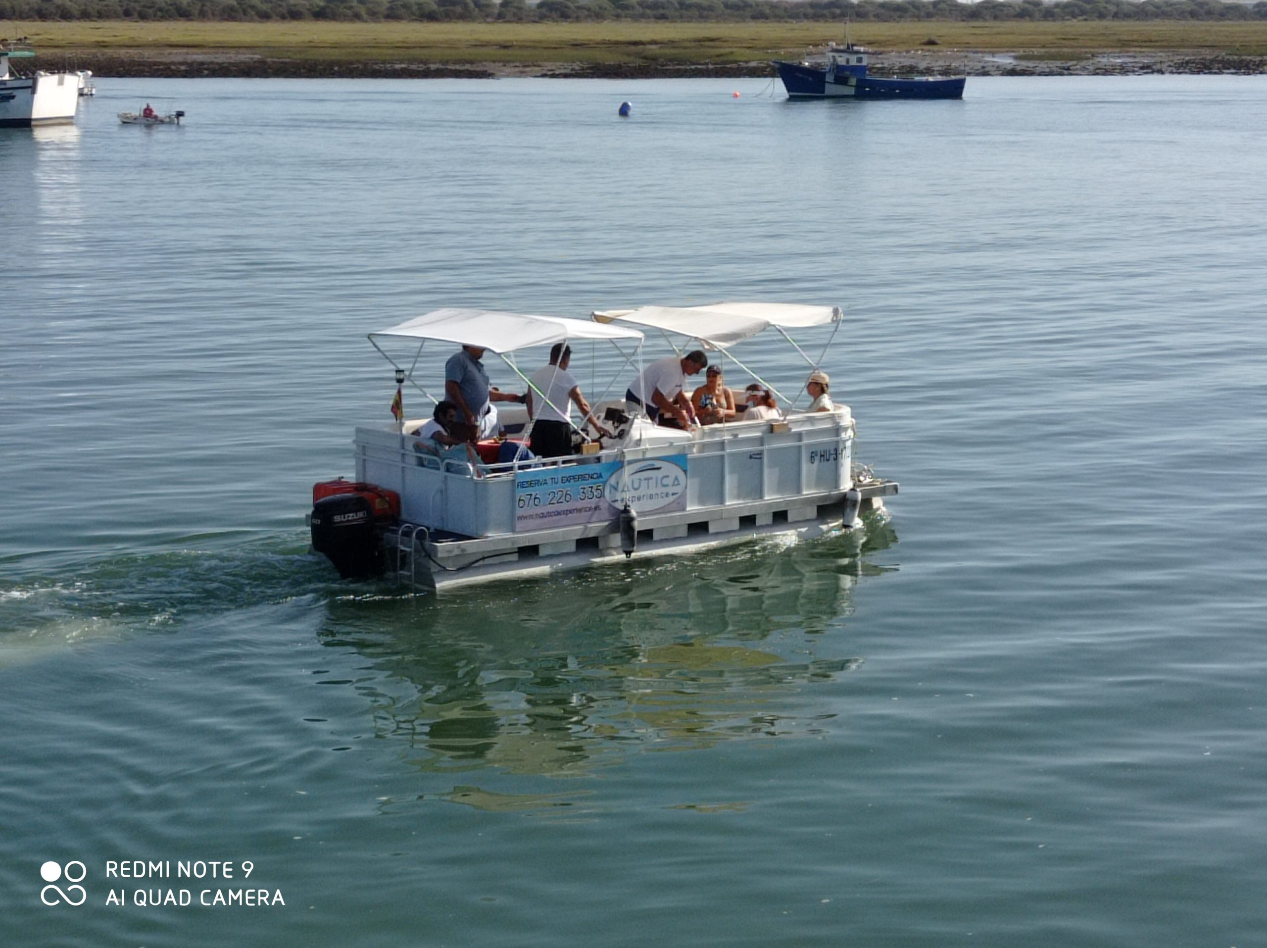 barco de alquiler navegando